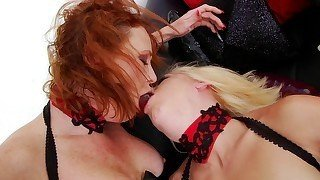 Black stockings blonde gets her ass