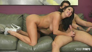 Naked high-heeled brunette gives a